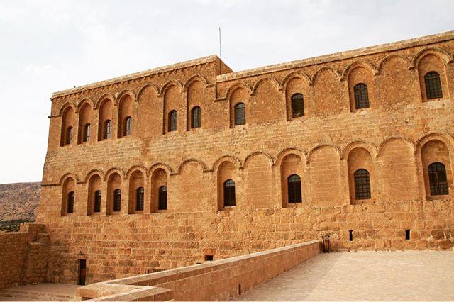 İç Anadolu, Mardin, Mardin Otelleri, Deyrulzafaran Manastırı